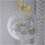 Jõulukuul lumehelveste ja kuldse linnuga