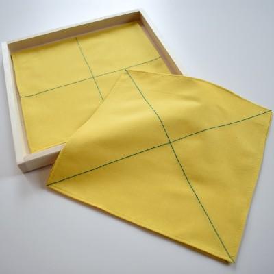 Voltimislinikud, kollane, türkiisi värvi joontega